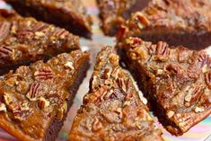 Brownie Pumpkin Pie with a Crunchy Pecan Topping. mmm! making this to take for thanksgiving :)