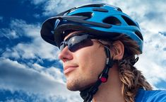 A huge selection of prescription sports Glasses and sunglasses are at affordable prices available at CA Glasses. All polarized cycling sunglasses are made with the latest innovative wrap-around design to protect your eyes. Sports Stars, Kids Sports, Low Key, Prescription Safety Glasses, Outfit Stile, Types Of Glasses, Cycling Sunglasses, Trending Sunglasses, Outdoor Adventures