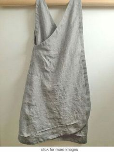 linen apron (back view) Sewing Clothes, Diy Clothes, Japanese Apron, Linen Apron, Apron Dress, Linen Dresses, Mode Inspiration, Refashion, Dress Patterns