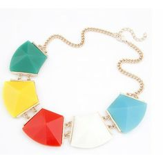 Exaggerated Fashion Into Geometric Block Short Necklace