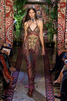 Roberto Cavalli | Milan Fashion Week | Spring 2017  • Model: Faretta