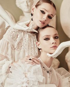 Fashion Shoot, Editorial Fashion, Gemini, Human Poses, Perfectly Imperfect, Pompadour, Couture Collection, Couture Dresses, White Fashion