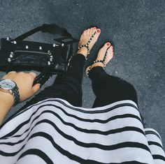 Black&white look with stripes and Gioseppo sandals by @saansh on instagram