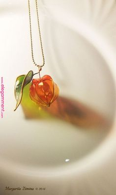 amazing resin art physalis with leaf necklace resin jewelry Amazing res. - amazing resin art physalis with leaf necklace resin jewelry Amazing resin art! Cute Jewelry, Diy Jewelry, Jewelry Box, Jewelery, Jewelry Accessories, Women Jewelry, Jewelry Making, Jewelry Holder, Unique Jewelry