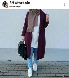Trendy fashion hijab Trendy fashion hijab indonesia How To Wear Hijab Outfit With Casual Looks Modern Hijab Fashion, Street Hijab Fashion, Hijab Fashion Inspiration, Islamic Fashion, Muslim Fashion, Look Fashion, Trendy Fashion, 00s Fashion, Dress Fashion