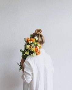 orange + yellow bouquet of flowers Creative Photography, Portrait Photography, Kinfolk Style, Minimalist Photography, Mode Inspiration, Flower Photos, Beautiful Flowers, Bouquet, Photoshoot