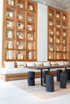 The conference area inside the 1 Hotel South Beach is by far my favorite common area at this eco-resort when it comes to combining clean modern design with beach cottage decor. Lobby Interior, Interior Architecture, Interior Design, Hotel Restaurant, Restaurant Design, Design Hotel, Commercial Design, Commercial Interiors, Bar Piscina