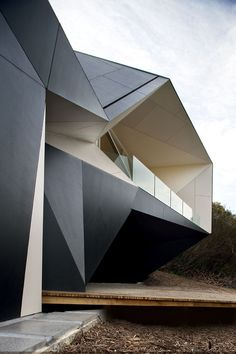 Klein Bottle house, by McBride Charles Ryan architect.