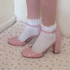 Find images and videos about pink, aesthetic and shoes on We Heart It - the app to get lost in what you love. Aesthetic Shoes, Aesthetic Fashion, Aesthetic Clothes, Aesthetic Grunge, Sock Shoes, Cute Shoes, Me Too Shoes, Five Jeans, Fashion Shoes