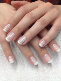 Simple french design Dream Nails, Simple Nail Designs, Simple Nails, Toe Nails, Make Up, French, Hot, Beauty, Work Nails