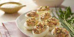 Przepis na faszerowane jajka z szynką | WINIARY