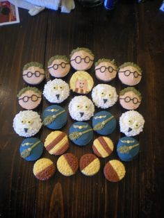 Lindsey would LOVE these! Harry Potter cupcakes