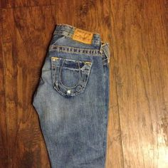 Low rise size 26 True Religion jeans, GENTLY used Worn twice, washed twice, size 26, not hemmed True Religion Brand Jeans True Religion Pants Boot Cut & Flare