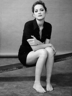Marion Cotillard, Portrait Poses, Female Portrait, Black And White Portraits, Black And White Photography, Star Francaise, Foto Art, Celebrity Portraits, French Actress