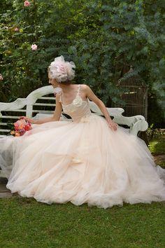 8101 #NOVARESE #weddingdress #David Fielden #Tulle #pink #princessline #ノバレーゼ #ウエディングドレス #ウエディング #プリンセスライン #チュール #ピンク