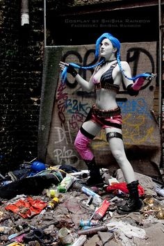 Jinx League of Legends Cosplay http://geekxgirls.com/article.php?ID=1754
