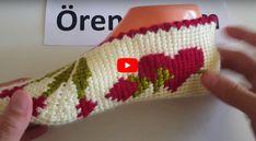 Tunus İşi Patik Tabanı Nasıl Yapılır? ,  , Geçtiğimiz günlerde tunus işi patik yapımı anlatımlı olarak paylaşmıştık. Yarım kalmıştı modelimiz. Şimdi tamamlayarak tunus işi pat... Tunisian Crochet, Filet Crochet, Crochet Stitches, Crochet Top, Socks And Sandals, Knitted Slippers, Tabata, Projects To Try, Cross Stitch