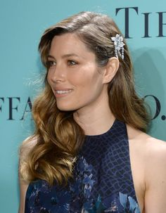 Jessica Biel en Tiffany & Co. http://www.vogue.fr/joaillerie/red-carpet/diaporama/bijoux-avril-2013-red-carpet-gwyneth-paltrow-repossi-jessica-biel-tiffany-co-rebecca-hall-olga-kurylenko-de-beers/12998/image/749465#!jessica-biel-tiffany-amp-co-blue-book-ball-bijoux-red-carpet-avril-2013