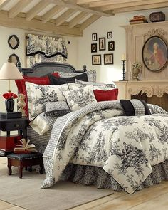 Amazon.com - Thomasville Bouvier 10-Piece Bedding Ensemble, Queen -