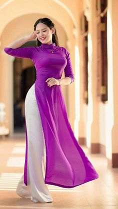 girl On bouncing Early morning BooBers be a bouncing hot women Long Dress Fashion, Fashion Dresses, Ao Dai, Asian Woman, Asian Girl, Oriental Dress, Vietnamese Dress, Mode Hijab, Beautiful Asian Women