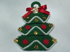 Decoração de porta árvore de natal em crochê e aplicações. R$30,00