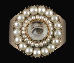 Georgia Museum of Art exhibits lovers' eyes - Alain.R.Truong  #unusual #jewelry #insolite #art #creation #bijoux #gorgerous #onadore #love #tendance #jewelry #bijouterieenligne #bijouxenor #bijouxargent #boucledoreille #bijouxcorail #redcoral #luxury #artisanat #joaillerie #cadeau #enligne #bijouxfantaisie #bijouxmrm #monbijoutier http://www.bijouxmrm.com/ https://www.facebook.com/marc.rm.161 https://www.facebook.com/Bijoux-MRM-388443807902387…