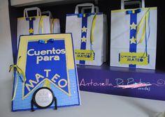 Libro de cuentos y bolsas personalizadas. Ideas para tu fiesta. Party ideas. Details http://antonelladipietro.com.ar/blog/2012/09/cumple-boca-junior/