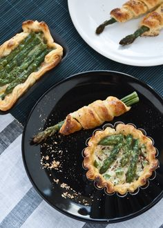Torte Salate... looks like asparagus pie to me ; )