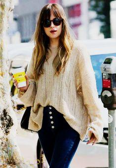 """Dakota Johnson spotted shopping on Melrose Place in Los Angeles, California. (01.03.2018) """