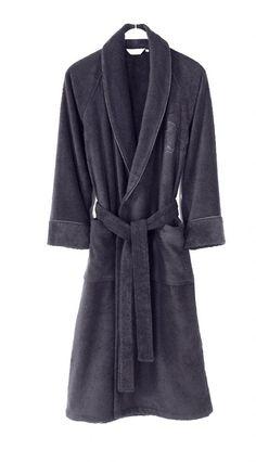 Dlhý župan DELUXE je vhodný pre mužov aj pre ženy. Sú extra savé a jemné pre maximálny komfort a pôžitok po kúpaní i leňošení.