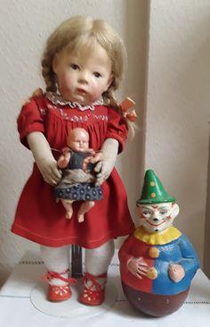 Big Baby Dolls, Doll Display, Old Dolls, Collector Dolls, Antique Toys, Vintage Dolls, Beautiful Dolls, Doll Toys, Paper Dolls