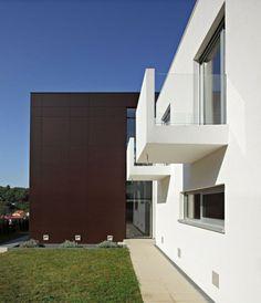 Ferienhaus Kroatien Fassade Balkon Glas Geländer