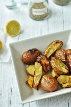 Citromos-oregánós újkrumpli | Csak a Puffin ad Neked erőt Pretzel Bites, I Foods, Side Dishes, Bread, Vegan, Salads, Blog, Salad, Bakeries