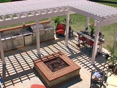 Building an Outdoor Kitchen from DIYnetwork.com