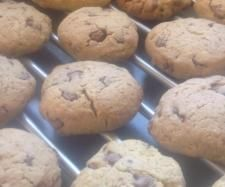 Recipe Choc Chip Chick Biscuits by learn to make this recipe easily in your kitchen machine and discover other Thermomix recipes in Baking - sweet. Sweet Recipes, New Recipes, Cooking Recipes, Lunch Box Recipes, Lunchbox Ideas, Bellini Recipe, Thermomix Desserts, Us Foods, Healthy Snacks