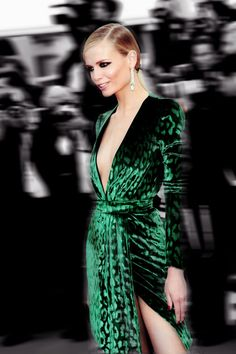 Natasha Poly: loving that green dress