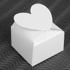 20x White Heart Favors Candy Craft Paper Gift Box For Wedding Party B726