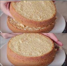 Ingredientes 4 ovos 2 copos (americanos) de farinha de trigo 2 copos (americanos) de açúcar 1 copo (americano) de leite quente 1 colher (sopa) de fermento Modo de Preparo Bata as claras em neve e acrescente o açúcar Depois, acrescente as gemas e...