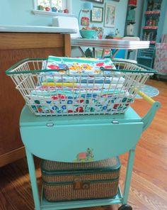 T-Party Antiques Tablecloth Basket