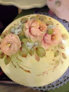 Wood Crafts, Diy And Crafts, Decoupage Furniture, Painted Plates, Love Rose, Tree Branches, Folk Art, Art Pieces, Drawings
