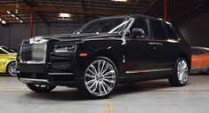 Rolls-Royce Cullinan Is Prime Real Estate For Alloy Wheel Makers - Cars World Bugatti, Lamborghini, Rolls Royce Suv, Rolls Royce Cullinan, Best Classic Cars, Alloy Wheel, Luxury Life, Fire Trucks, Exotic Cars