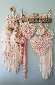 Pink tattered wire hearts