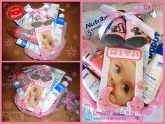 Canastilla primeras marcas, con marco de fotos personalizado para Rita. Hecho a mano. http://www.le-chat-noir.es/canastillas #bebe #nacimiento #baby #babyshower #canastilla #bautizo https://www.facebook.com/pages/Le-Chat-Noir-Hecho-a-mano/113710975370328