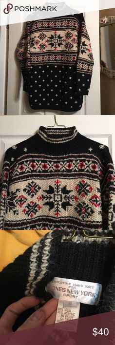❄️Cozy Vintage Sweater❄️ Vintage Jones New York sweater! Excellent condition! Really large for a size Small. So it could fit like an oversized! Heavy and warm wool! Jones New York Sweaters