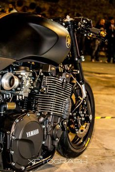 "Yamaha XJR1300SP ""Stealth"""