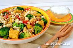 Sałatka brokułowa z kurczakiem i kaszą jaglaną (idealna do pudełka)