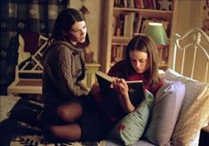 """All 339 Books Referenced In """"Gilmore Girls"""""""