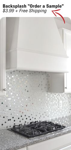 White glossy matte and crackle glass tiles mixed with metal tiles. White glass metal kitchen backsplash tile for elegance idea. Modern Kitchen Backsplash, Backsplash Tile, Kitchen Design, Backsplash Ideas, Kitchen Modern, Kitchen Decor, Tuile, Tile Design, Decoration