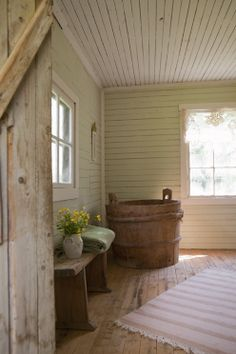 Easy Ways To Love Your Home; Farmhouse Bathroom Decor Ideas As far as home-improvement projects go, it's not the scale of the changes that you make. Vintage Farmhouse, Country Farmhouse, Country Decor, Farmhouse Decor, Country Living, Home Interior, Interior And Exterior, Cottage Interiors, The Ranch