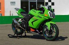 Ninja 250 cup Kawasaki 250, Kawasaki Ninja 250r, Kawasaki Motorcycles, Racing, Vehicles, Girl Motorcycle, Bikers, Everything, Running